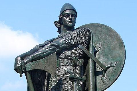 ソルフィン・カルルセフニの像の写真